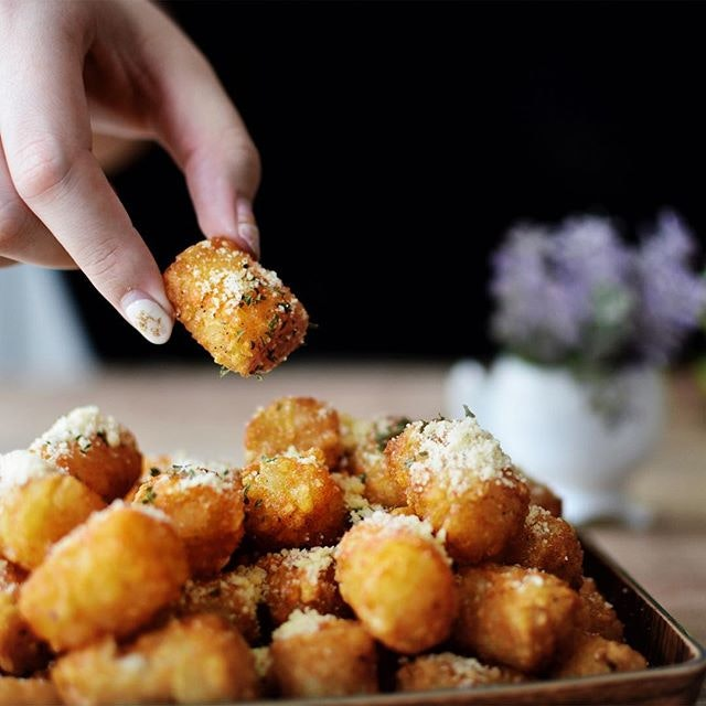 Truffle Tatter Tots [$8 for small, $13 for large]  I can't stop thinking about this delicious bowl of truffle tater tots.