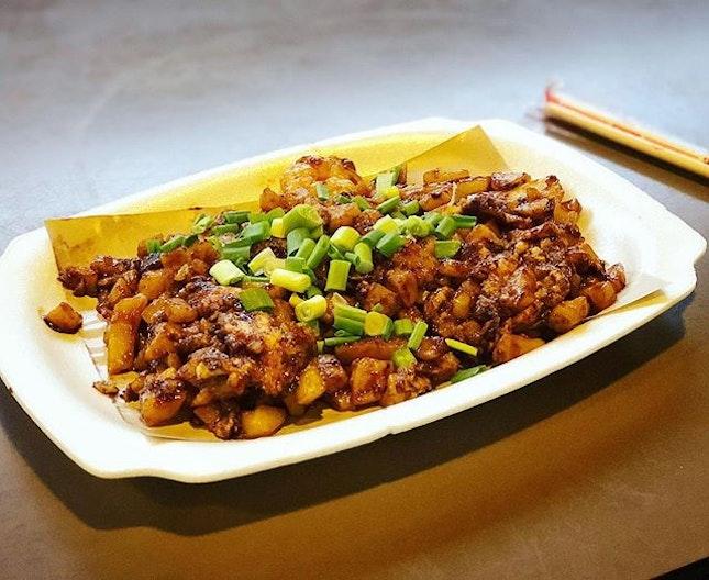 Finally some decent food :) ❤️ #friedcarrotcake #chaitowkway #sgeastsiders #melfclar #eastcoastlagoonfoodvillage