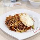 香港面 🤗👍🏼❤️ #hongkongnoodles #changiairport #lunch