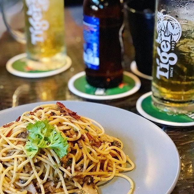 It's Friday night ❤️🍺🍺 #tgif #friday #pasta #tigerbeersg #tigerbeersg #thebedokmarketplace