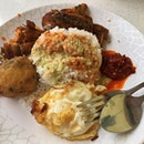 Pariaman Warong Nasi for Lunch today with Delicious Curry with Chicken Wing, Chicken Drumstick, Potato Ball and Egg