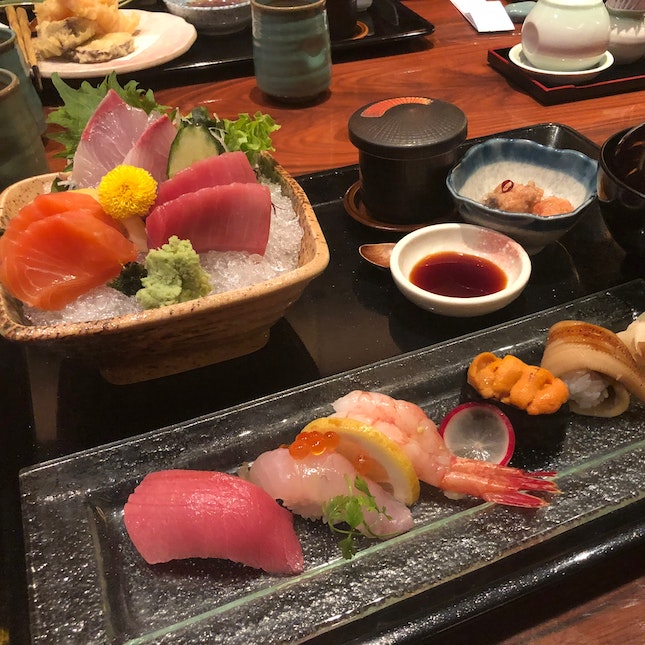 Tokusen Sushi and Sashimi Gozen set