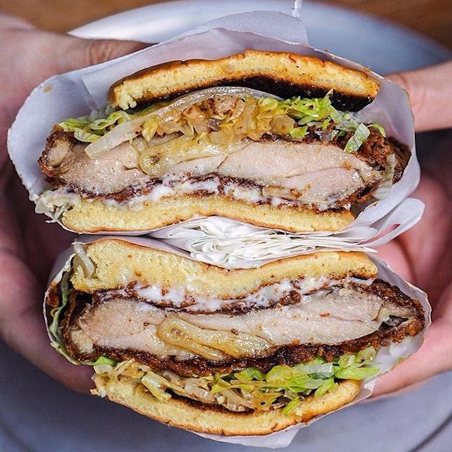 Buttermilk fried chicken sandwich from @parkbenchdeli.