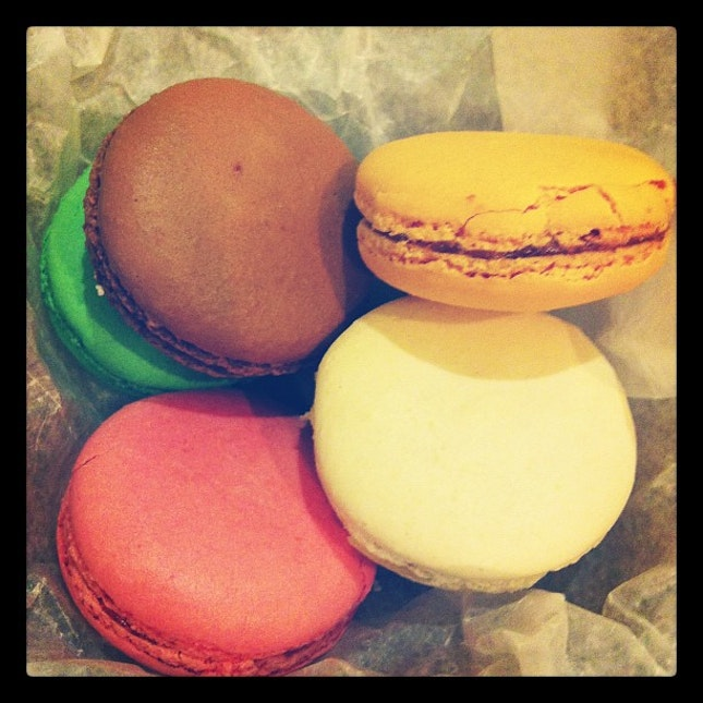 Tuweese We Miss You Nyc French Macarons Ali 2830