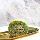Classic Green Tea Azuki Roll [S$2.00] ・ Awesomely sweet, soft and moist roll from @sweehengsg that could even call out non-matchaholics fans.