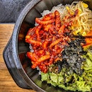 Spicy Stir-Fried Octopus Bibimbap : : #korea #southkorea #seoul #travel #holiday #food #foodie #foodies #burpple #foodporn #instafood #gourmet #foodstagram #yummy #yum #foodphotography #dinner #wednesday #spicy #stirfried #octopus #낙지 #rice #bibimbap