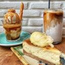 Salted Caramel Popcorn Affogato & Durian Cheesecake : : #thailand #th #thai #bangkok #bkk #thaifood #food #foodie #foodies #burpple #foodporn #instafood #gourmet #foodstagram #yummy #yum #foodphotography #coffeetime #coffee #break #affogato #saltedcaramel #popcorn #durian #cheesecake #ekkamaimacchiato