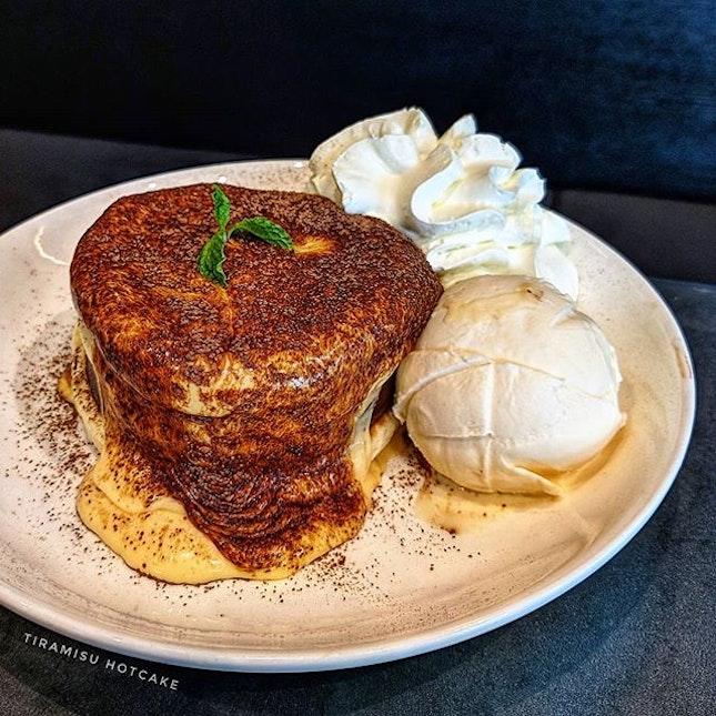 Tiramisu Ricotta Hotcake 😍🥞 @ Casa Lapin x Pancake Cafe : : #thailand #th #thai #bangkok #bkk #thaifood #food #foodie #foodies #burpple #foodporn #instafood #gourmet #foodstagram #yummy #yum #foodphotography #travel #travelphotography #wanderlust #mobilephotography #casalapin #tiramisu #ricotta #pancakes #chocolate #vanilla #icecream