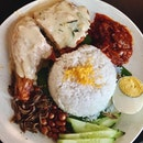 Serving different range of home style nasi lemak other than the famous ayam berempah nasi lemak nearby, this one's for all the buttermilk and salted egg lovers !