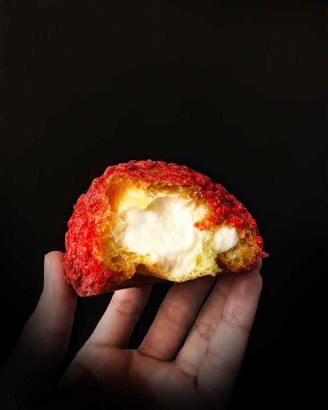 Sakura Cookie Crumble Puff ($3.50 per pc)