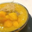 食。楊枝甘露 It's sweet and sour with an extra texture.