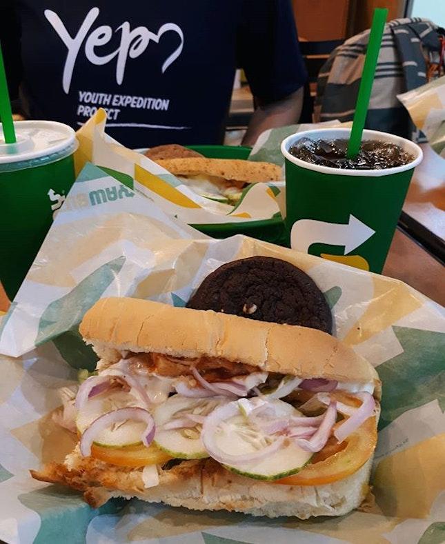 Tried the buffalo chicken sub sandwich which was pretty good!