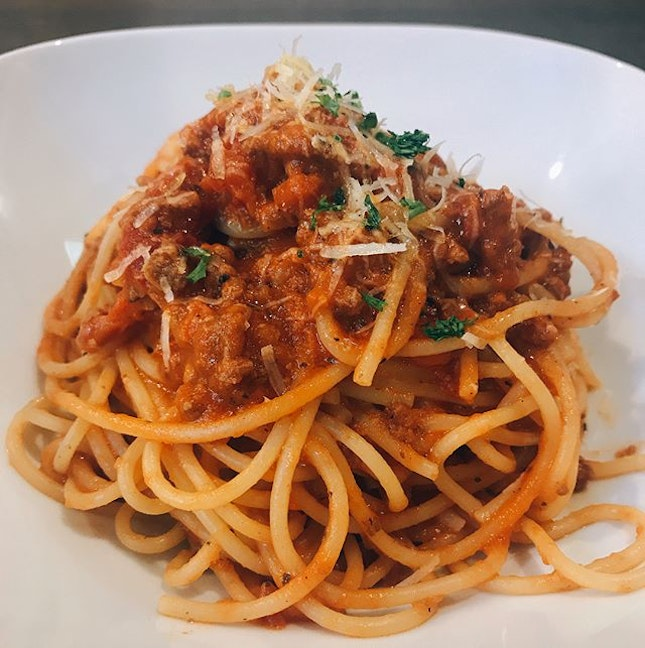 VIVO CITY, SINGAPORE Had this Spaghetti Bolognese for dinner and I admit that the taste was rather disappointing because it was rather bland..