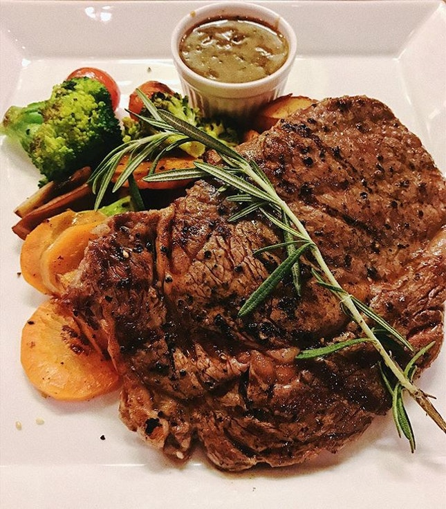 SINGAPORE This is Rib-eye Steak from Kaw Kaw, featuring 200-220grams of 150 days grain fed meat, with sautéed butter vegetable and roasted potatoes.