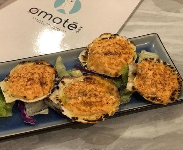 Grilled Hotate Mentaiyaki & Asari Garlic Flambé 🍲😋 Ratings: 8/10 Price: $20 (Scallop) $16(Clams) 📍Thomson Plaza, Singapore