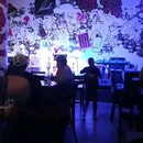 Hood Bar & Cafe