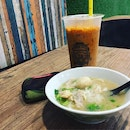 Just a mini chicken boat noodles and cool iced Thai milk tea.