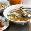 Late night cravings for Thai style kway chap from @yaowaratthaikwaychap.