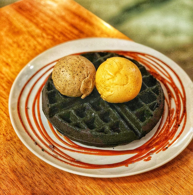 Charcoal Waffle With Two Icecream