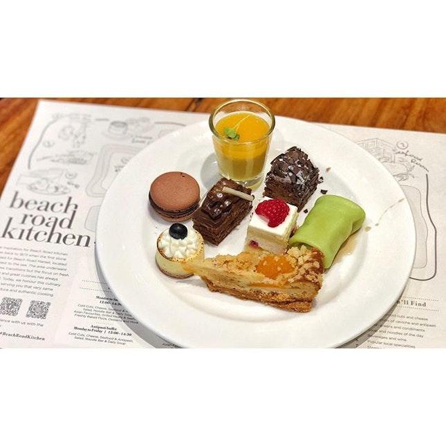 | 🍱 A Buffet Dinner to Reward Yourself !...