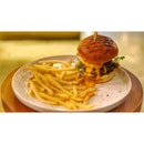 · 🍔 Burger and Fries 。...