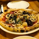 Seafood Pizza Wow!