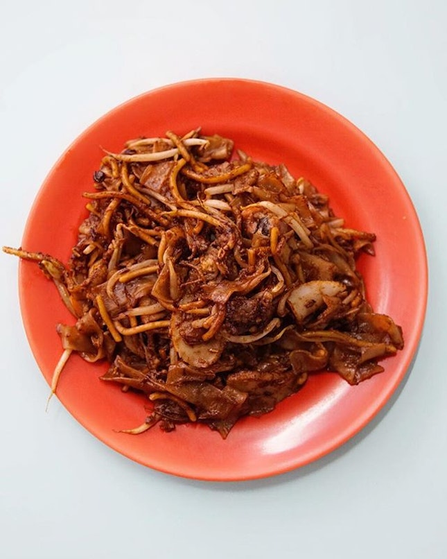 Outram Park Char Kway Teow  Some say this is the best, well I didn't have much choices to compare with..