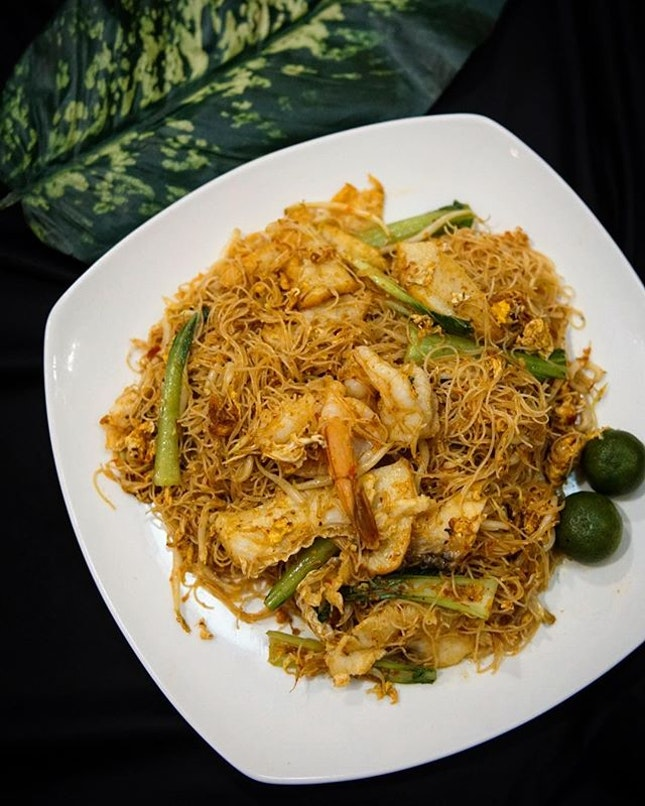 Signature Spicy Bee Hoon The humble Bee Hoon like the friedrice, is one of the most 'look over' dishes.