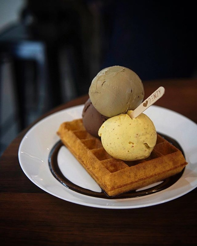 Waffle with Gelato @denzygelato dont just serves great gelatos, but their waffles are point!