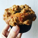 This blueberry streusel muffin is da bomb (if that chocolate muffin yesterday wasn't nice enough).Topped with walnut and apple crumble giving a delightful crunch in every bite.