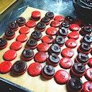 Finishing Black Forest macarons. ❥