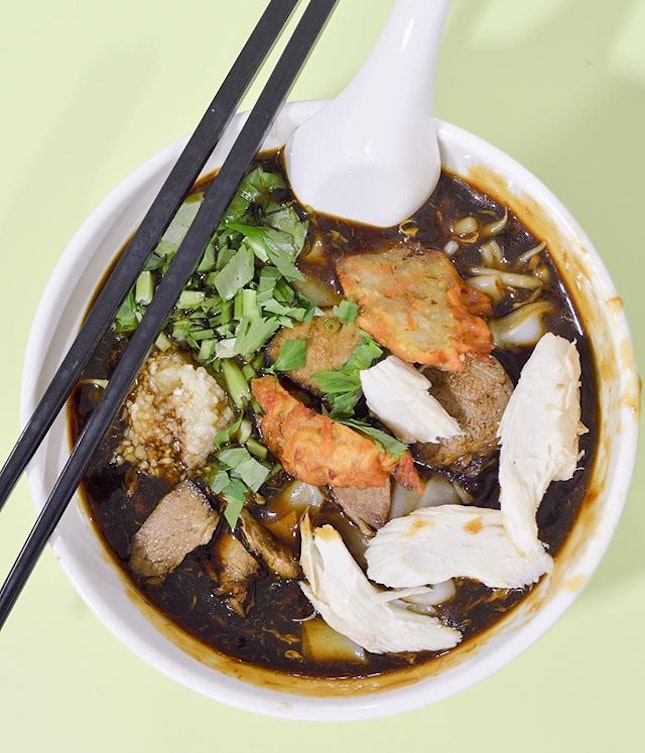 Best weather to tuck into some hot gooey savoury Lor Mee.