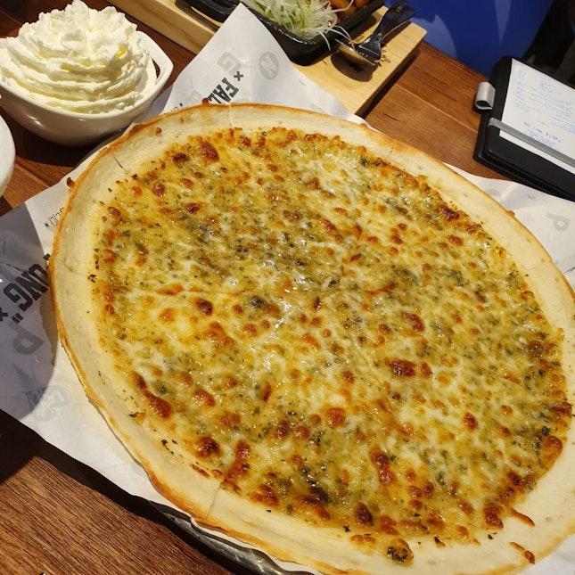 Garlic Pizza $17.90