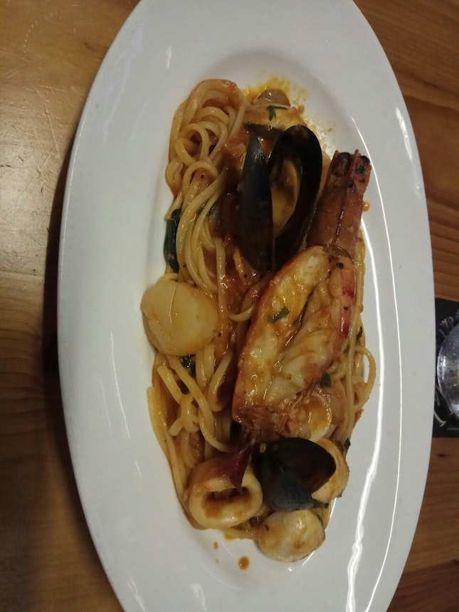 Seafood Linguine 28+(Svc Only)