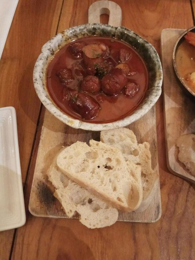 Chorizo Al Vino 16++