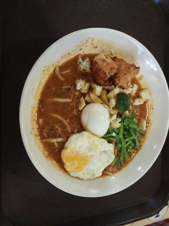 Mee Siam+(Seafood Ball) Add Egg