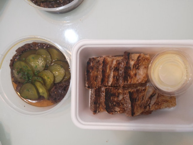 Beef Marmalade 15+(Delivery) (Pictured 3pax Of Toppings, 6pax Bread))