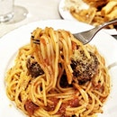 Wanted a classic pasta dish from this classic pasta place so I got spaghetti with meatballs.