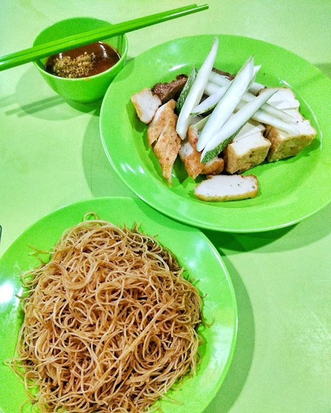 Ngoh hiang / wu xiang from Zhabalang Wu Xiang at Dunman Food Centre.