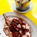 MEAT PLATTER 🐷 Char Siew: Normal not much of a wow Roast Pork: The skin is crispy and meat isn't dry at all.