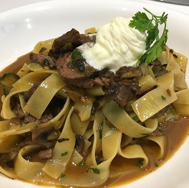 Beef stroganoff fettuccine S$18.50  Now for the close up of my pasta.