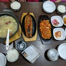 Family Style Korean Food