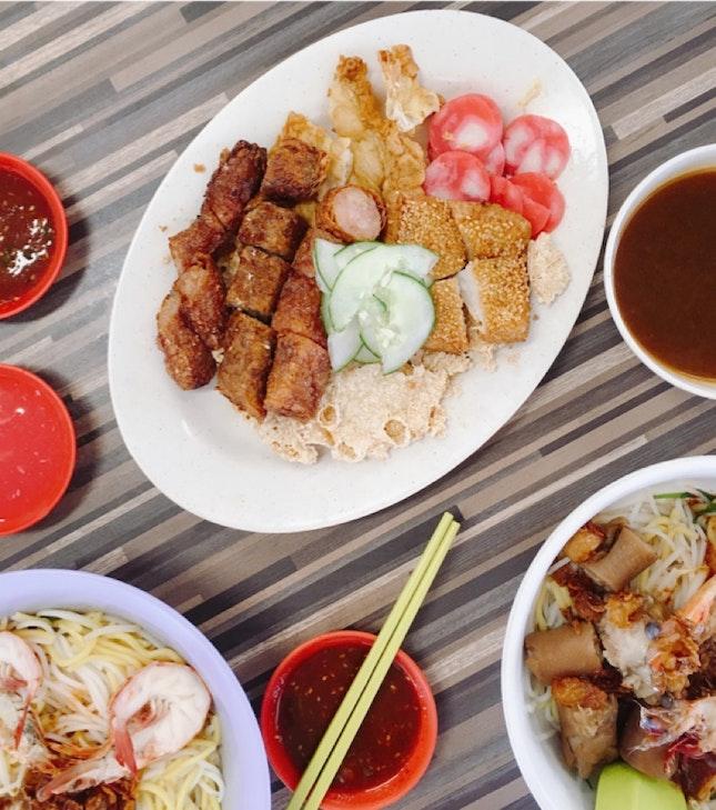 Prawn Mee & Fried Delicacies