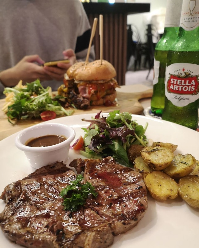 Relatively Good Food, With Chill Vibes For Drinks