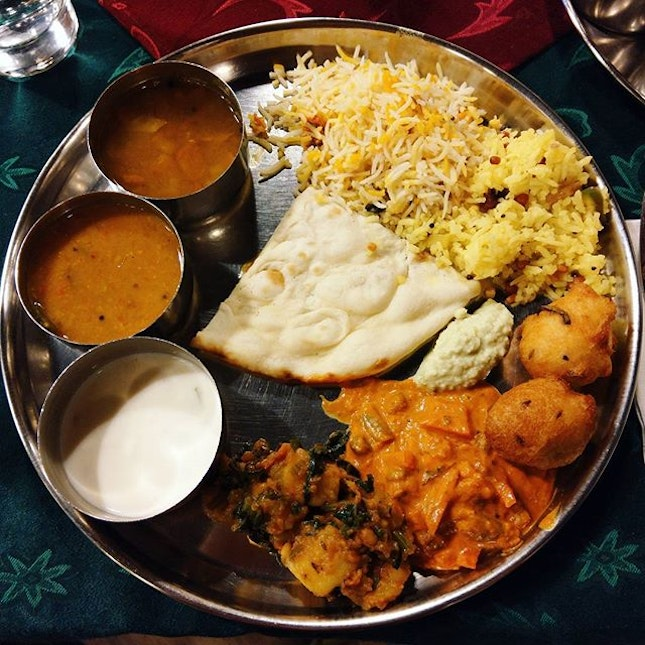 Annalashimi, always the first restaurant comes to my mind when I am craving for a decent Indian vegetarian buffet.