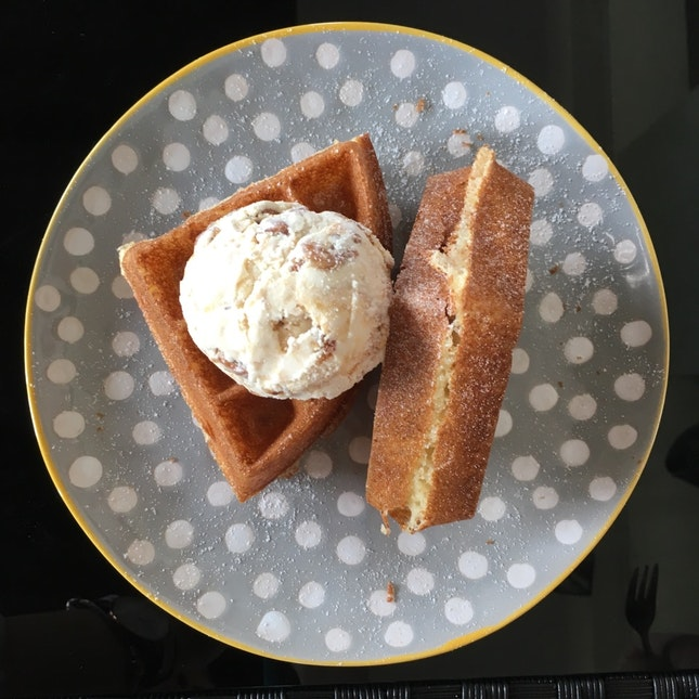 Half Butter Waffle With Single Scoop