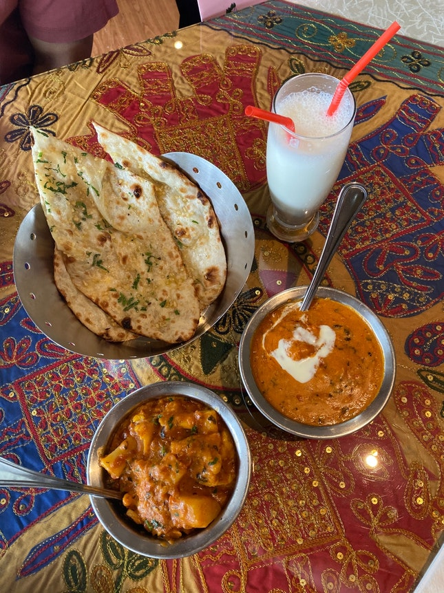 Butter Chicken, Aloo Gobi, Garlic Naan, Sweet&Salty Lassi