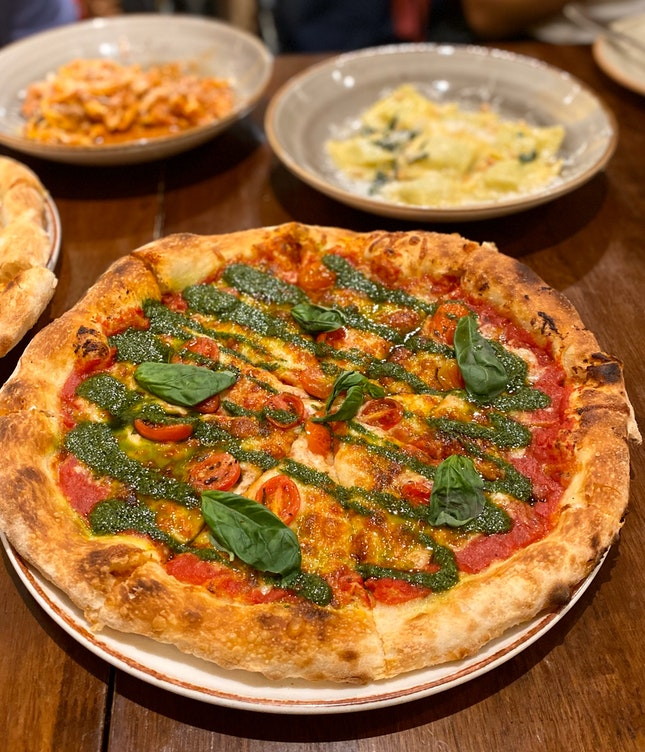 Custom Pizza - Margherita ($20) + Basil Pesto ($3)