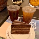 Cake & Beverages