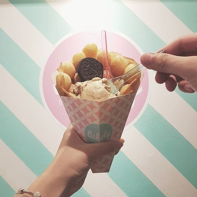 📍 Lickety 🍽 Egglet waffle with Ice cream 💸 $8.90 ⚊ Wouldn't say we had the best ice cream & egglets here but Jae did get her cravings satisfied.
